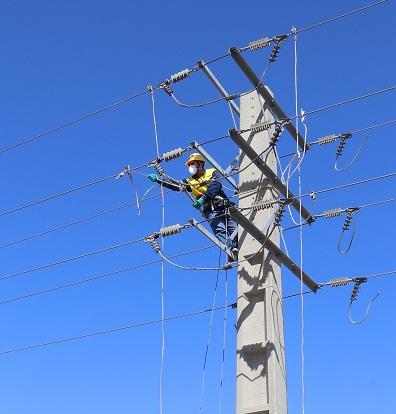 شبکه های برق مسیر رادار هواپیمائی ذاکر تپه ساماندهی شد