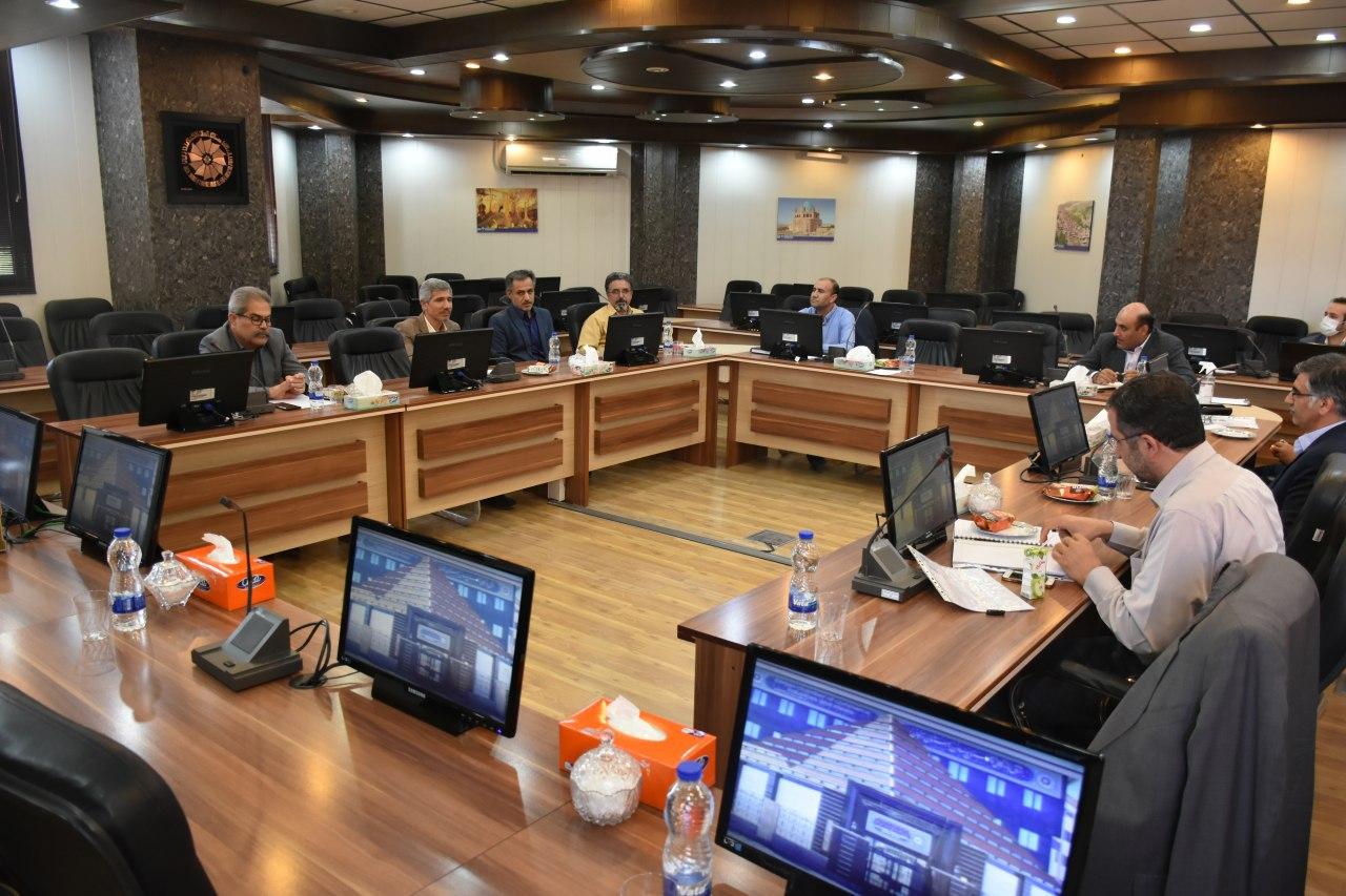 در دیدار با منتخب مردم زنجان و طارم در مجلس مطرح شد؛ نگاه ویزه به تولید/پرهیز از اقتصاد دستوری