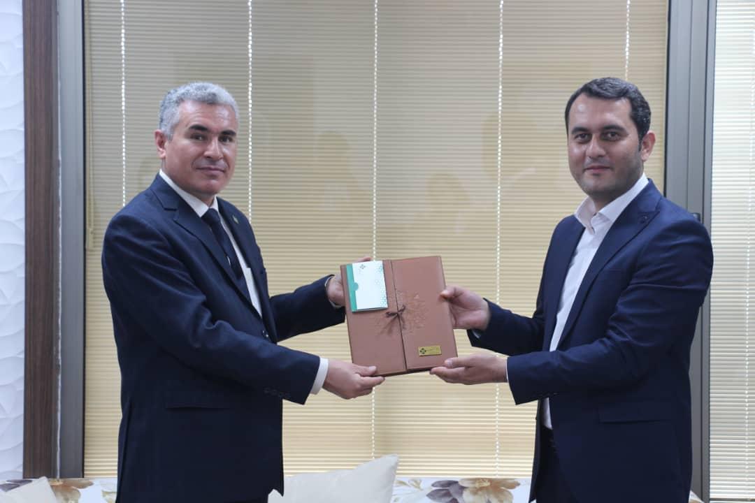 نمایندگی بیمه کارآفرین زنجان در جمع برترین های کشور
