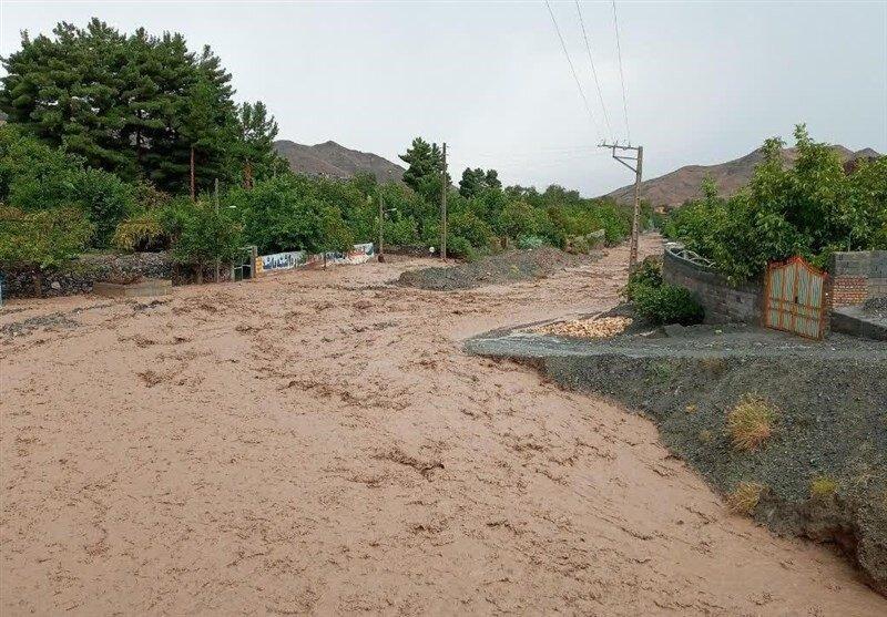 تجاوز آشکار به حریم رودخانهها و افزایش خطر طغیان و سیل