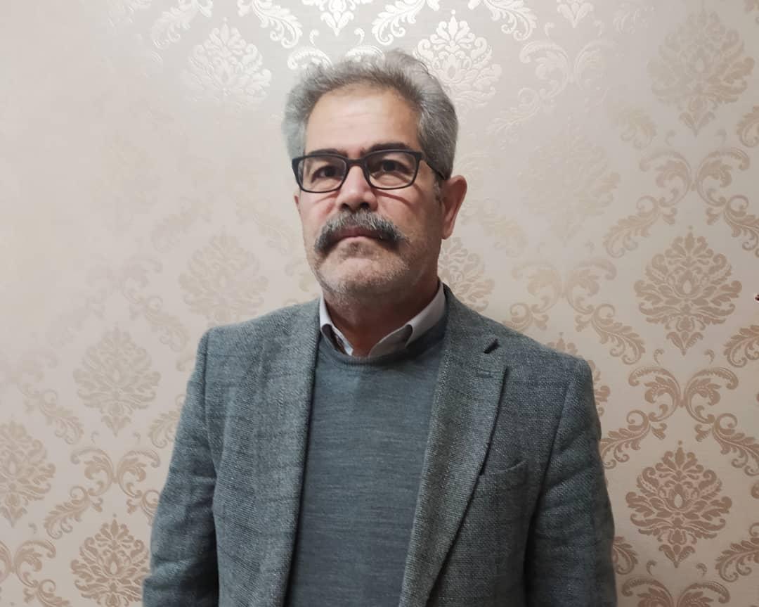 رئیس کمیسیون صنایع اتاق بازرگانی استان در گفتگو با«شهاب زنجان» تاکید کرد:تبیین سناریوهای ارزی/نتوانسته ایم قیمت ارز را در کشور مدیریت کنیم/شریان حیاتی اقتصاد تمامی کشور به جریانی به نام تولید متصل است