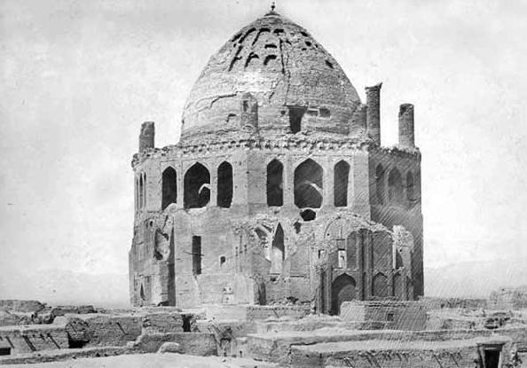 یادداشت های ناصرالدین شاه از سفر به سلطانیه؛ به  حاکم خمسه، گفتم تعمیر کلی گنبد را بکند