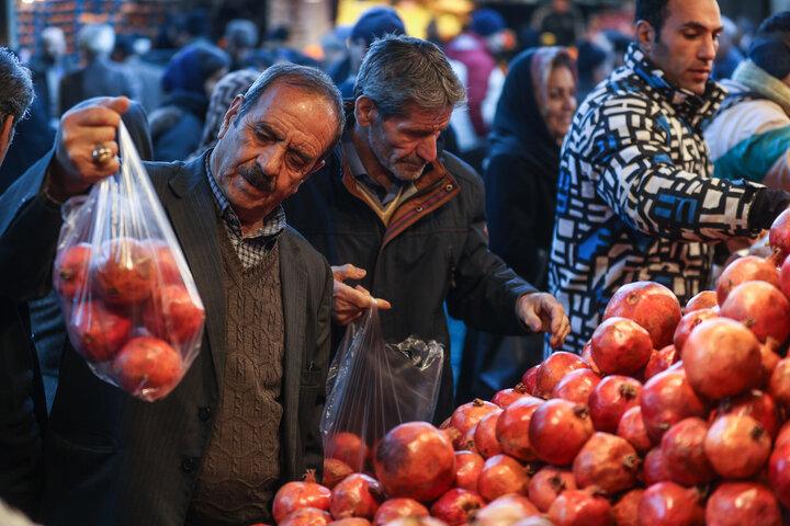 «شهاب زنجان» بررسی می کند: بازار درهم میوه/در آستانه شب یلدا قیمت میوه ها روی مدار صعود حرکت می کند